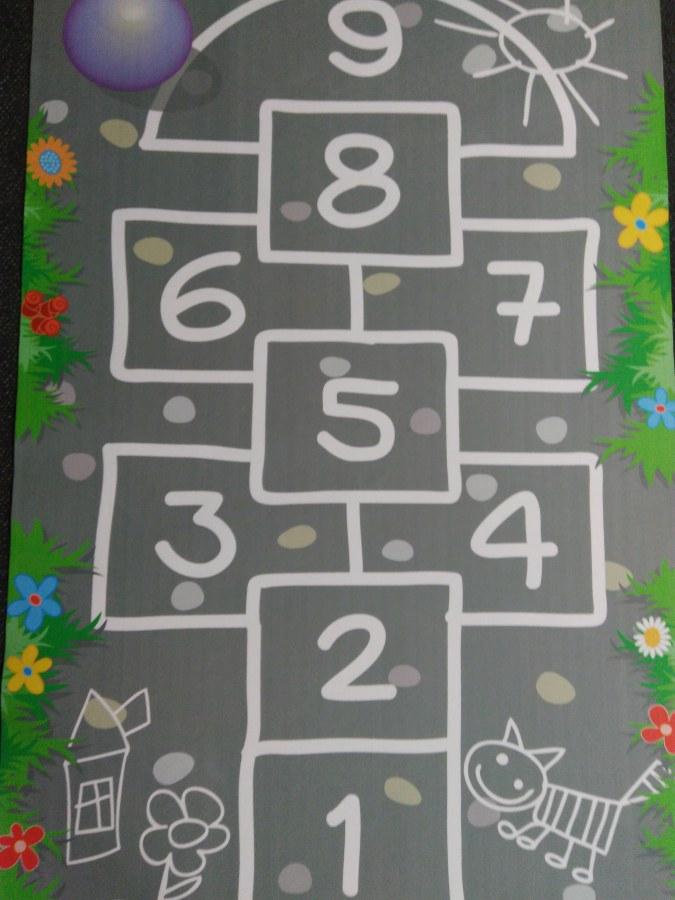 Dětský koberec skákací panák, rozměry 100 x 150 cm - Dětské koberce