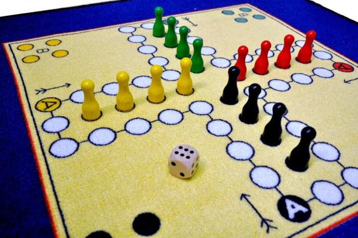 Dětský koberec Člověče nezlob se SH1, rozměry 92 x 92 cm - Dětské koberce