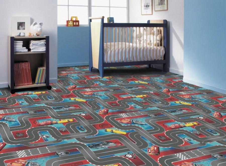 Dětský koberec Cars 3, rozměry 133 x 165 cm - Koberce na hraní